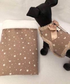 Saco Lunas y Estrellas con Interior de Pelito para perros pequeños como caniche toy rojo y cavalier de Salvaterra de Magos