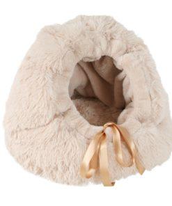 cama iglu cueva beige con textura de peluche de la marca ohlala pets para perros de tallas pequeñas. Criadores de caniches toy, caniches mini toy y cavalier