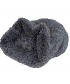 cama saco color gris con textura de peluche especial para caniches toy y caniche mini toy