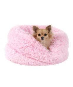 cama saco rosa con textura de peluche para perros de talla pequeña. Salvaterra de magos especialistas en caniches toy